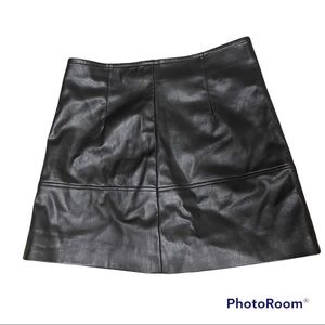 H&M Black Faux Leather Mini Skirt Sz 10